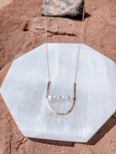 Load image into Gallery viewer, Pearl Long Hang Pendant Necklace