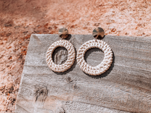 Load image into Gallery viewer, Samara Woven Hoops