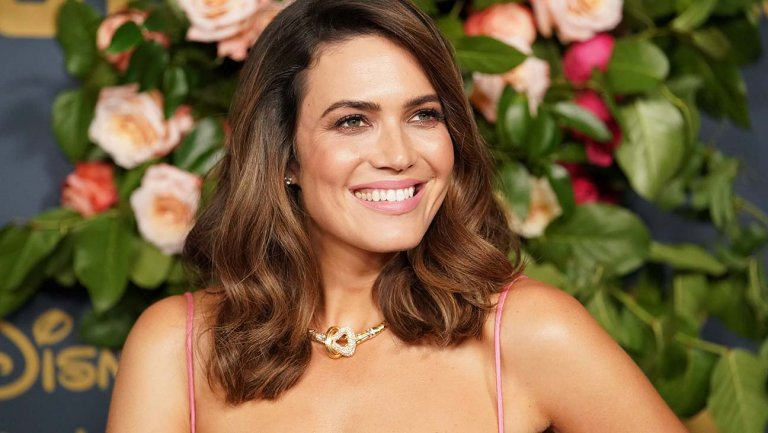 Actress Mandy Moore who uses CBD Oil