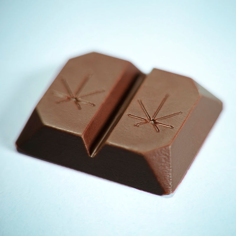 Calivolve Restore CBD Mint Chocolate with 80mg CBD close up of chocolate by Svn Space.