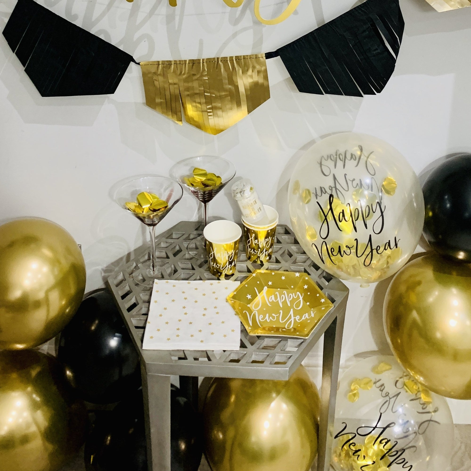 Gold Confetti New Year Balloons