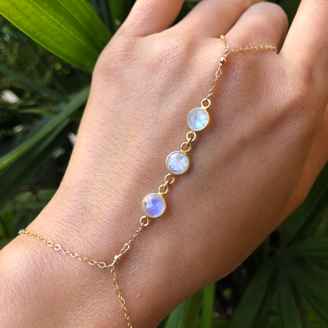 MOON GODDESS | RAINBOW MOONSTONE | HAND CHAIN