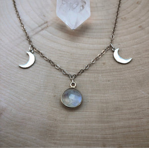 TRIPLE MOON GODDESS | NECKLACE
