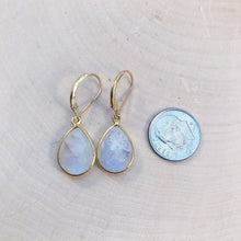 Load image into Gallery viewer, high quality rainbow moonstone earrings