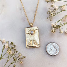 Load image into Gallery viewer, THE MOON | TAROT NECKLACE
