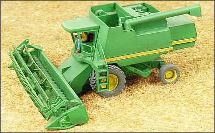Green 9500 Wheat Combine