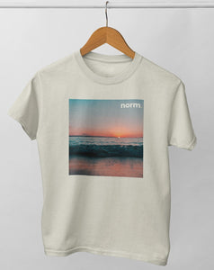 Danny adult tee. norm. Soft Cream S