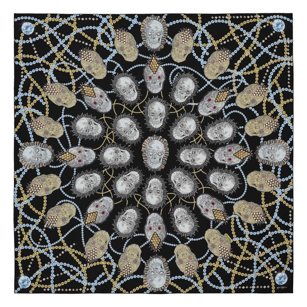 silk-scarf-mocomoco-berlin-street-art-motif-london-artist-uberfubs-sculls-and-jewellery-black-gold-silver-140x140cm
