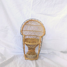 Load image into Gallery viewer, Mini Peacock Chair