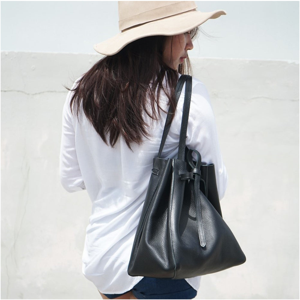 Daisy Drawstring Leather Bag - Iguana