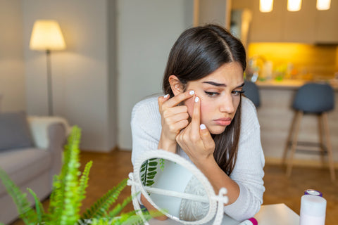 12 Surprising Habits That Can Cause Acne - Fifth & Root