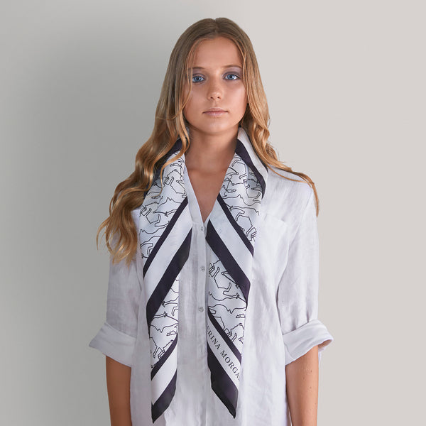 Show a combination of edge lines and patterns of your scarf.