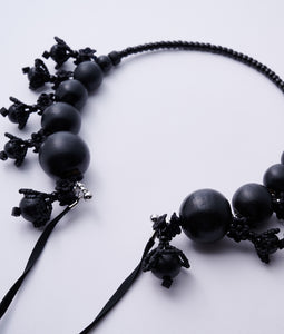 〈lilibySERI〉WOOD FLOWER RIBBON CHOKER /ウッドフラワーリボンチョーカー(BLACK)
