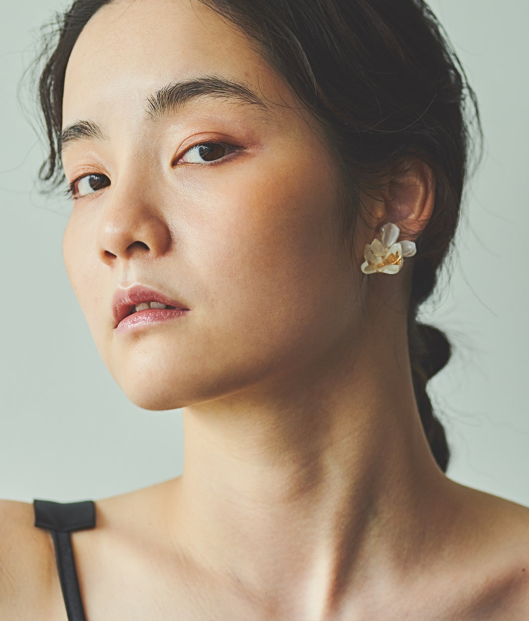 〈mellow〉DOUBLE FLOWER EARRINGS /ダブルフラワーイヤリング(WHITE)
