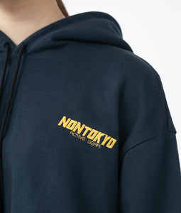 〈NONTOKYO〉BACK PLEATS SWEAT PARKA / バックプリーツスウェットパーカー(NAVY x YELLOW)