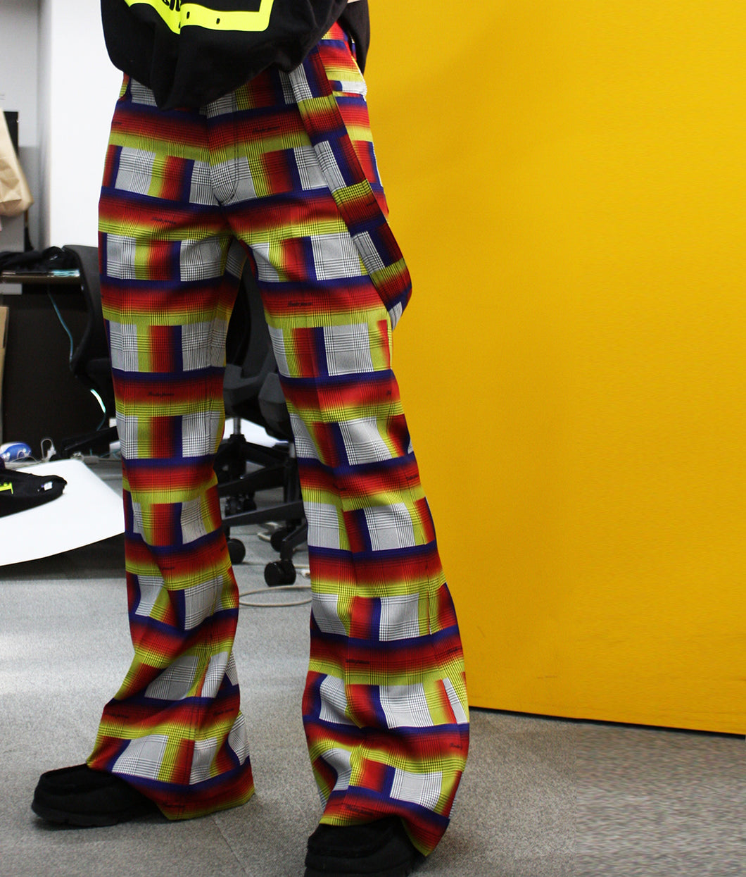 〈TENDER PERSON〉STRAP FLARE PANTS / ストラップフレアパンツ(MULTI CHECK)