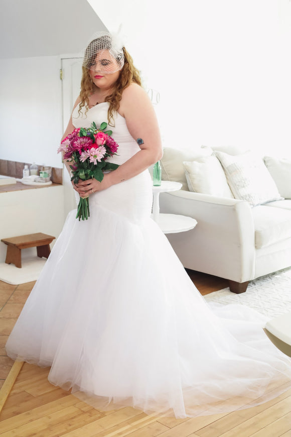 Plus Size Mermaid Gown - Labrador Lakehouse - Christina Dunnigan Photography - Marion Bridal