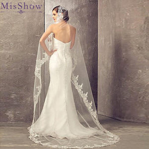 61304 - Lace Edge Cathedral Veil