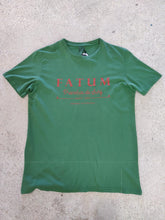 Load image into Gallery viewer, fatum fishing tee in green