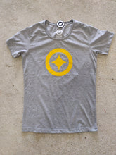 Load image into Gallery viewer, Fatum lone Star T-Shirt - Grey Gold