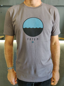 Fatum Telescope Tee in Dark Grey. Model is wearing an L and is 186cm and 86kg.