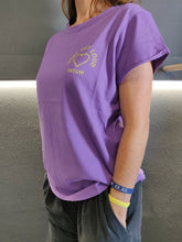 Load image into Gallery viewer, Fatum Ladies Love T-shirt in Purple