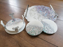 Load image into Gallery viewer, SET of resin geode luxury tray with 4 coasters and coaster holder