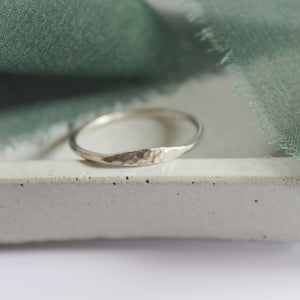 Hammered front ring