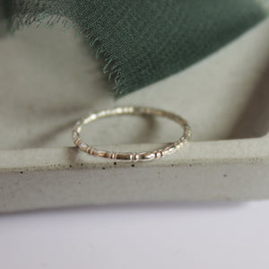 Oval beaded ring