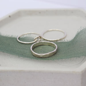 Knotted stacking set