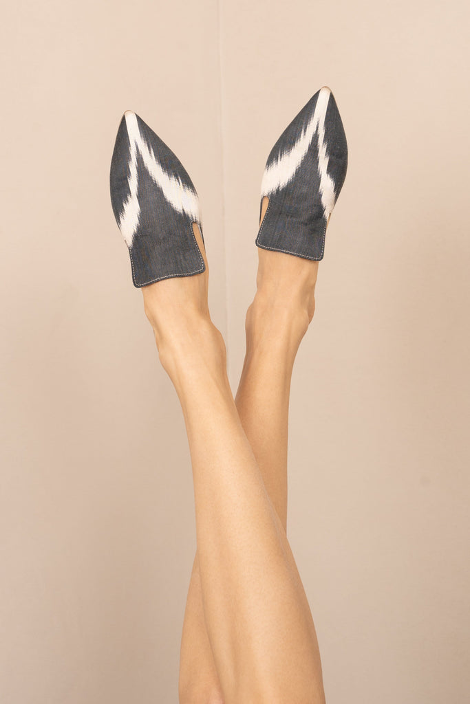 Handwoven Mules (black and white) - Belle Ikat