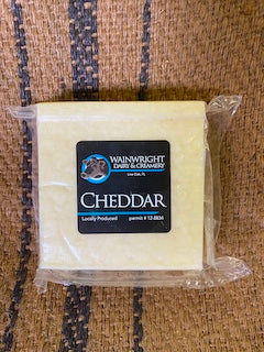 Wainwright Raw Milk White Cheddar 7 oz.