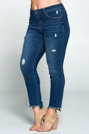 "Plus Size ""Keep Stepping"" --Dark- Nibble frayed basic crop skinny jean"
