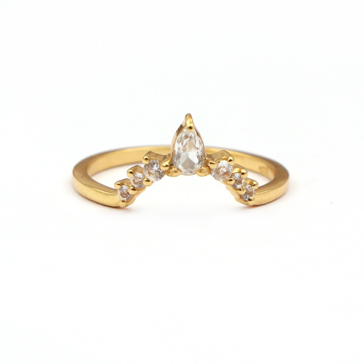 Elegant V Shaped Stacker Ring/18K Yellow Gold & White Topaz - infinityXinfinity.co.uk