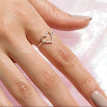 Load image into Gallery viewer, Cute Heart Ring/18K White Gold & Cubic Zirconia - infinityXinfinity.co.uk