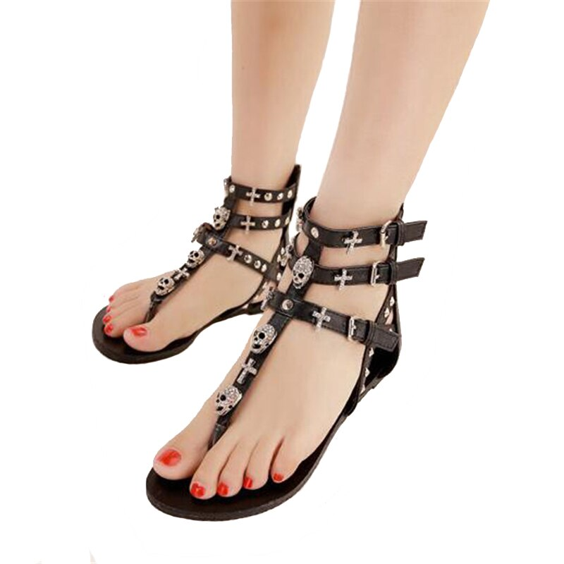 COVOYYAR 2019 Rivets Gladiator Women Sandals Skull  Flip Flops Beach Summer Flat Black Women Lady Shoes Plus Size 40 WSS738
