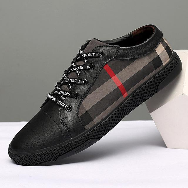 Men Leather Shoes Breathable Round Toe Shoes