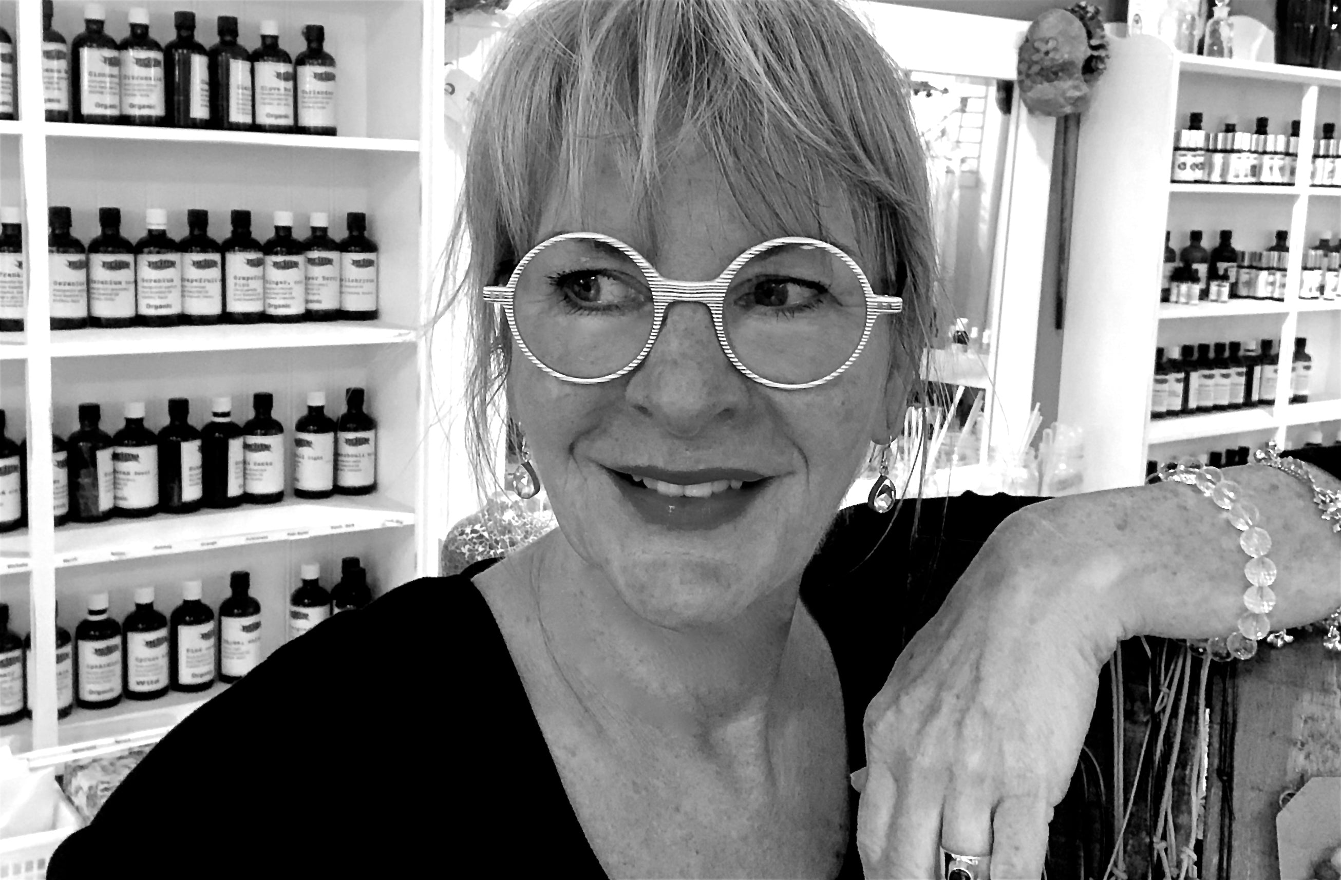 Sandra Topper is a Professional Aromatherapist and and an Artisanal Natural Perfumer who has worked with botanical essences since 1992.