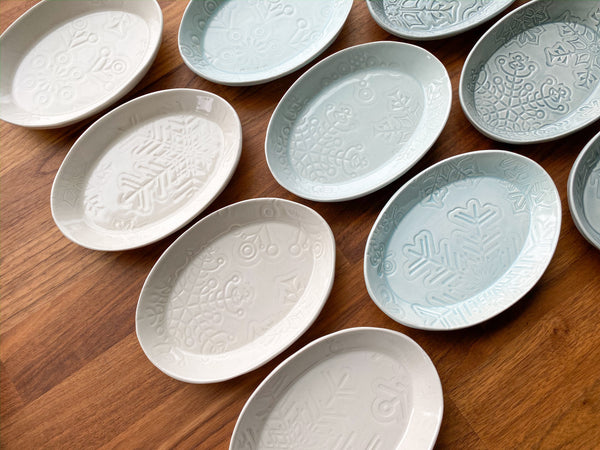 Snowflake Plate - Oval Cookie Plate - O