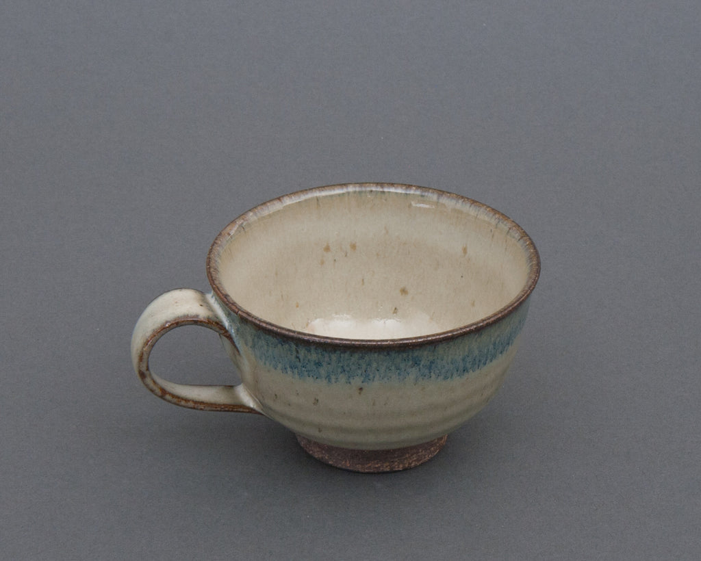 Aratsuchi Earthenware Cup - Side
