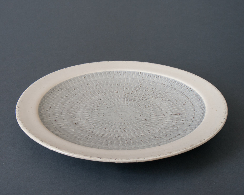 Hakuyu dinner plate - side