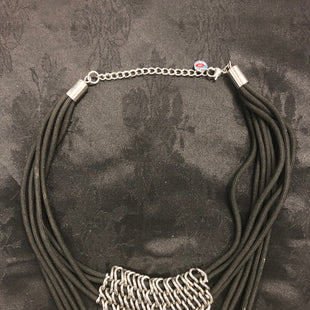 Primary Photo - BRAND:    CLOTHES MENTOR STYLE: NECKLACE COLOR: BLACK SILVER OTHER INFO: SIGAL - SKU: 297-29776-7719