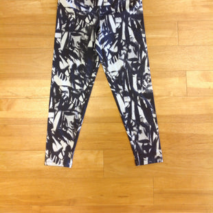 Primary Photo - BRAND:    CLOTHES MENTOR STYLE: ATHLETIC CAPRIS COLOR: GREY WHITE SIZE: S OTHER INFO: YUMMIE - SKU: 297-29783-346