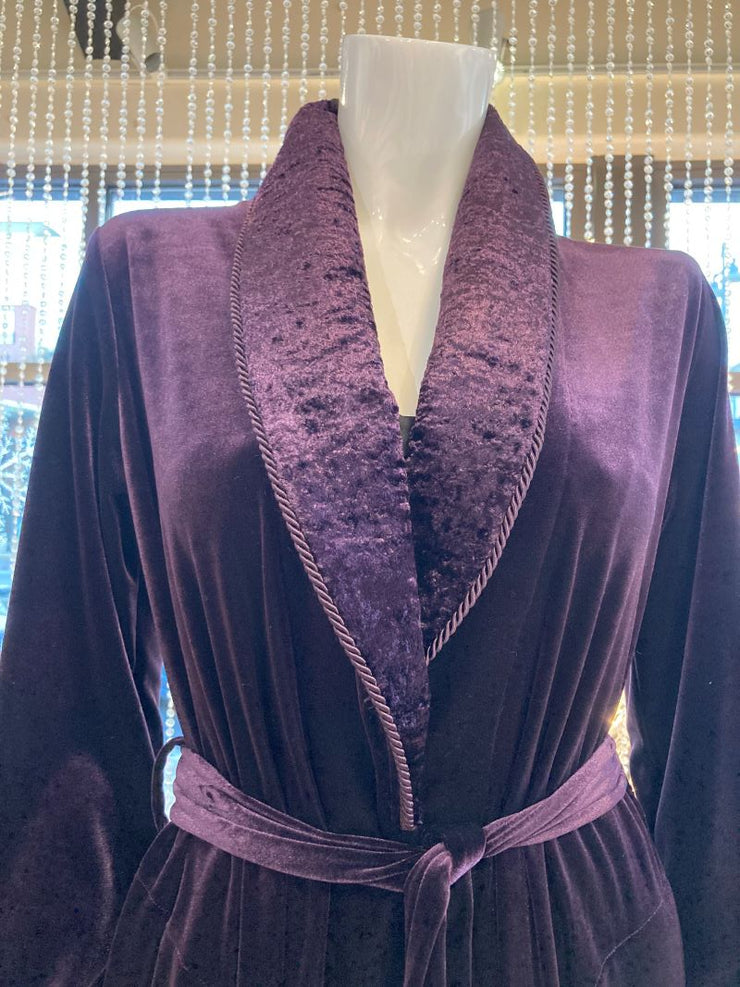 Diamond Tea Velvet Robe close front view