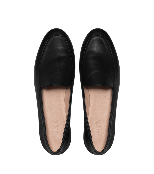 the classic loafer black