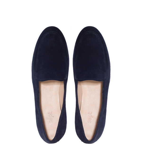 the classic loafer navy