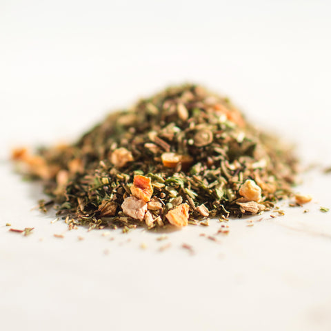 Green Ginger: Green Rooibos, Ginger Pieces, Orange Peel, Peppermint