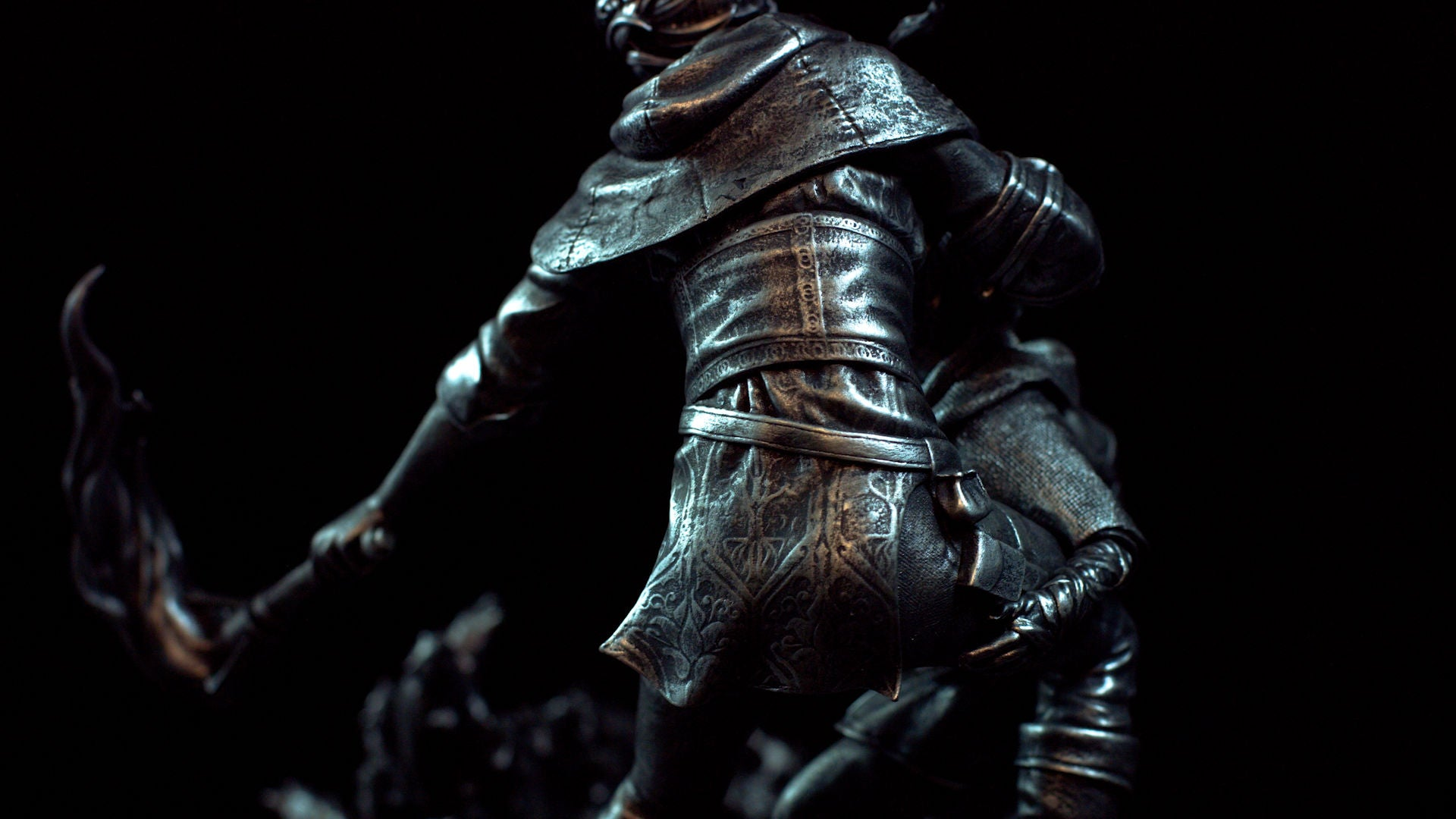 A Plague Tale Statue Amicia Back