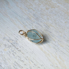 Load image into Gallery viewer, gold wrapped aquamarine necklace