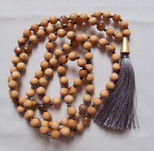 Load image into Gallery viewer, sandalwood and sunstone mala beads